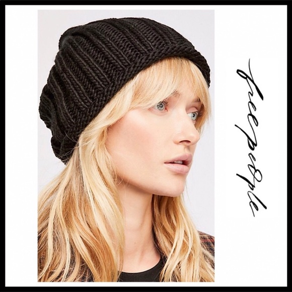 f5dc837cc7d FREE PEOPLE COZY SLOUCHY RIBBED KNIT BEANIE HAT